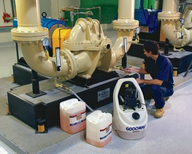 GDS-C40 scale removal system is powerful yet portable.